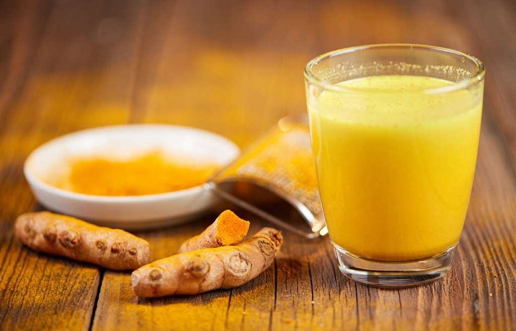 10 Amazing Benefits Of Turmeric Milk In Enhancing Your Beauty And Health